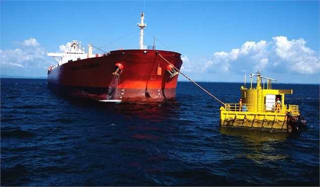 ایران ذخیره سازی نفت روی دریا را آغاز کرد