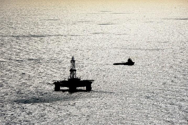 Tehran-Baku Oil Talks Continue
