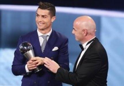 رونالدو بهترین بازیکن سال 2016 شد