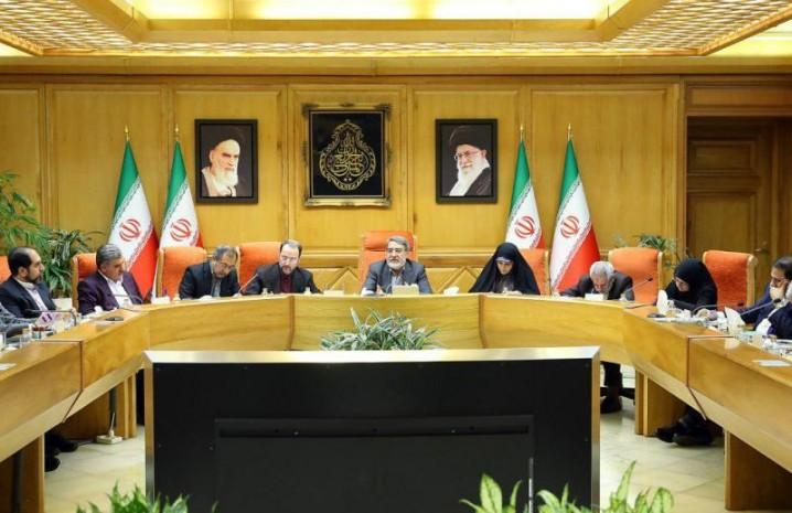 دولت از تولید پوشاک ایرانی - اسلامی حمایت می کند