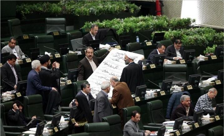 روایت رسانه های اصلاح طلب از تخریب دولت با اهداف انتخاباتی