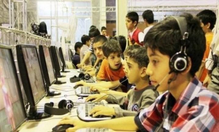 دانش آموزان و دنیای پرهیاهوی فضای مجازی