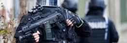 پاریس دوباره در التهاب/ تیراندازی و انفجار انتحاری در حومه شهر/ 7 ساعت عملیات؛ 7 بازداشتی و 2 کشته