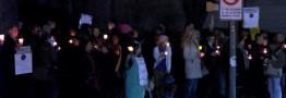 تظاهرات «خاموش» مقابل منزل معاون «ترامپ» / آمریکاییها: «پنس» چیزی از قانون اساسی نمیفهمد + تصاویر
