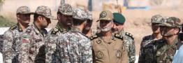 فرمانده کل ارتش از مواضع پدافندی نیروگاه اتمی بوشهر بازدید کرد