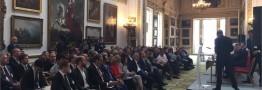 مراسم امضای قرارداد ساخت بزرگترین نیروگاه خورشیدی ایران در لندن