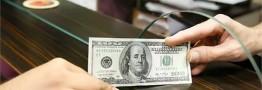 صرافیها: عرضه ارز پتروشیمیها قطرهچکانی است