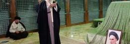 رهبر انقلاب در مرقد امام خمینی(ره) وگلزار شهدا حضور یافتند